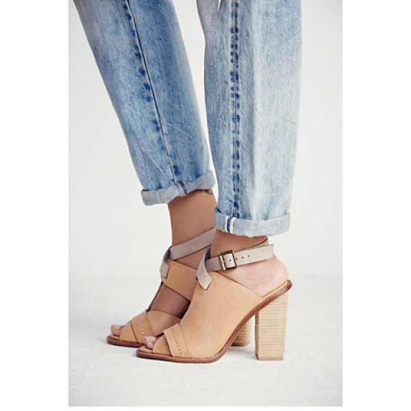 INTENTIONALLY BLANK Florence heel - Open round-toe leather shoes with stacked heels. Contrast...