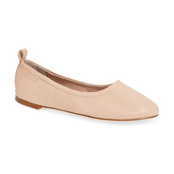 1.State salen ballet flat in bare leather - This ballet flat has everything you need to stay...