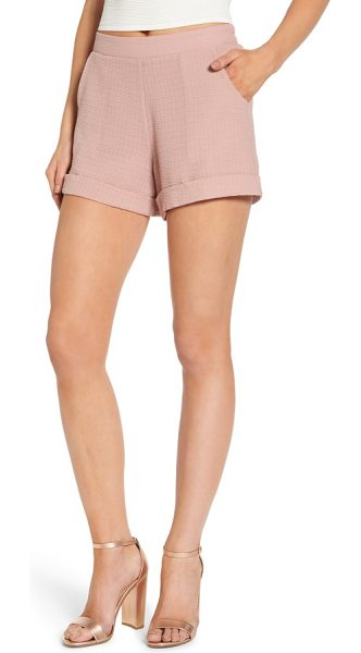 4SI3NNA textured shorts in adobe rose - A pretty hue and textured weave make these cuffed and...