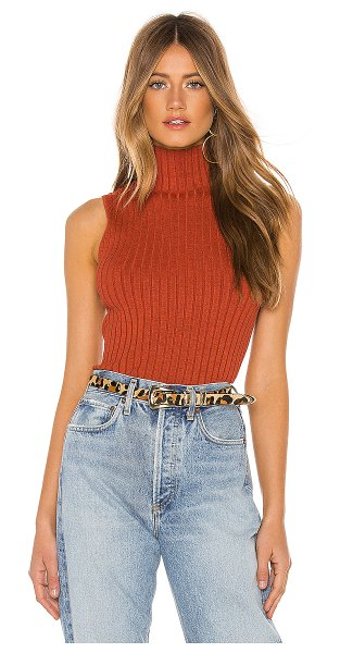 525 America sleeveless mock neck sweater in red clay melange