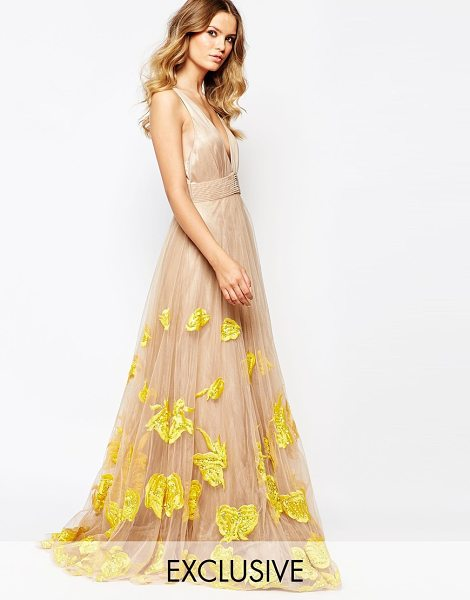 A Star Is Born Luxe plunge front full tulle prom maxi dress with embellishment in yellownude - Evening dress by A Star Is Born Woven fabric Mesh skirt...