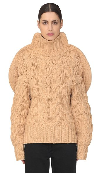 AALTO 3d handmade wool knit turtleneck sweater in beige - Turtleneck. Extra long sleeves. Ribbed collar, cuffs and...