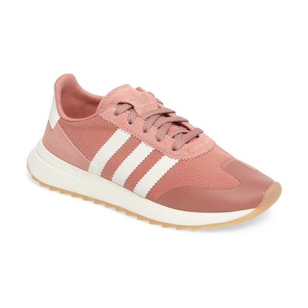 ADIDAS flashback sneaker - An iconic running shoe from the '70s gets a modern...