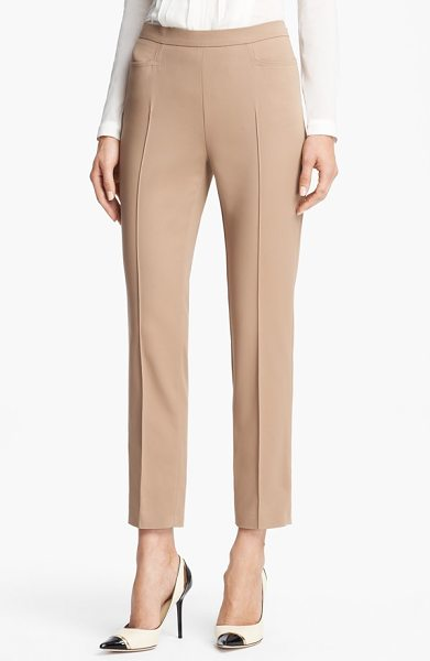 AKRIS PUNTO 'franca' techno cotton pants - Hip-tracing seams and sharply creased slim-cut legs...