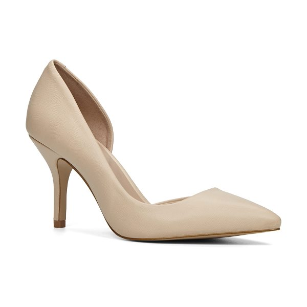 ALDO Ecidia in bone - An elegant style worthy of your rotation, this d'Orsay...