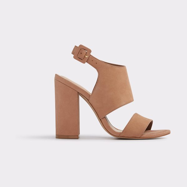 ALDO Elise in cognac - Take a bold step forward in this chunky, and...