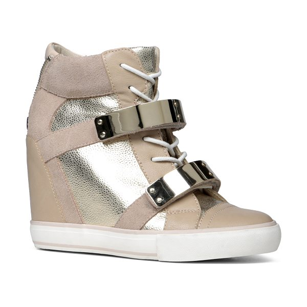 ALDO Haerani flats in metallic misc. - Show off that street style of yours in these edgy wedge...