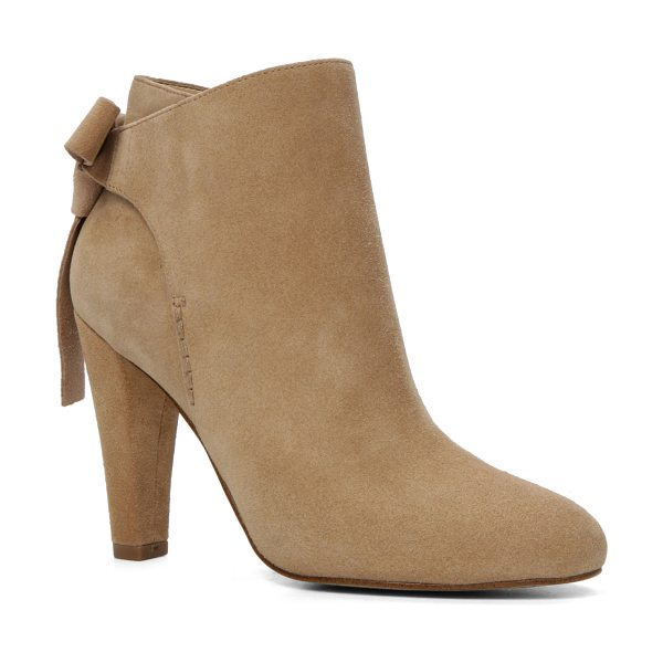 ALDO Huffington in beige - Pull it on and strut out. The heeled shootie comes with...