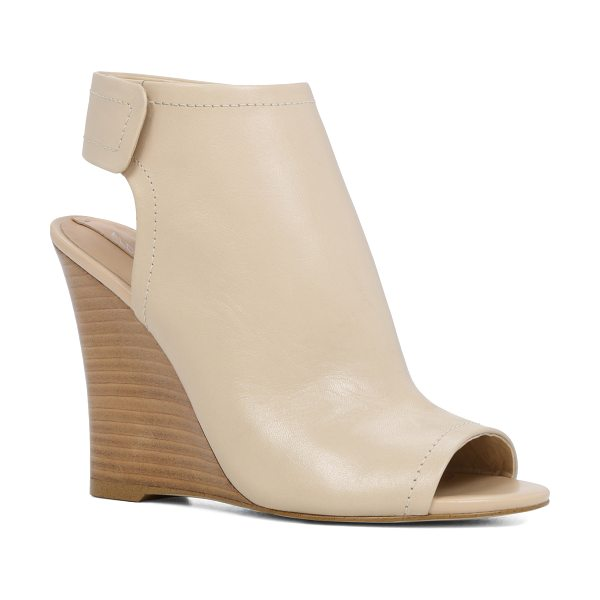 ALDO Joost - Welcome the new season in style with these feminine...