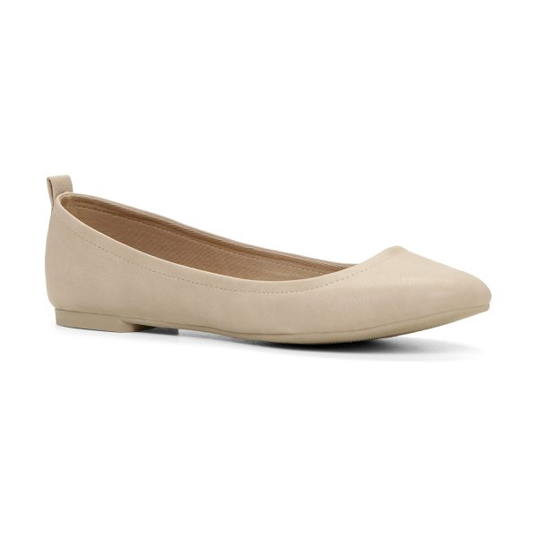 ALDO Madalena in beige - Perfectly polished, these beautiful ballerinas will make...