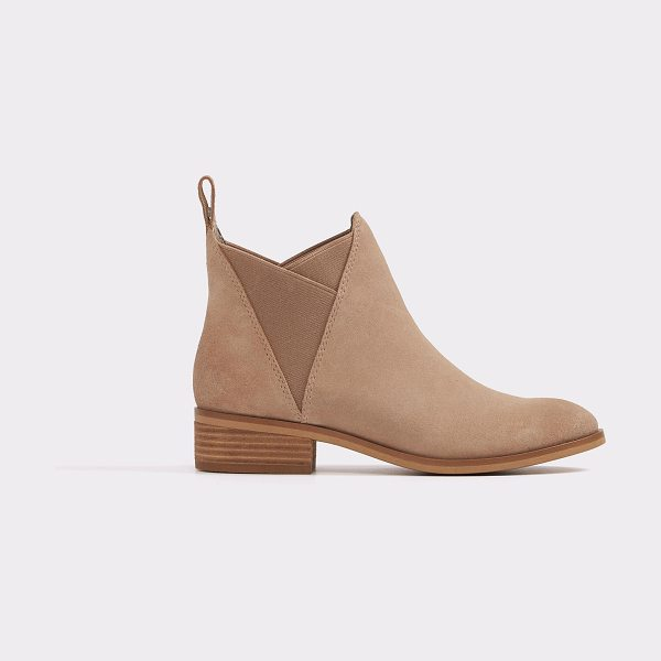 ALDO Scotch in natural - Chelsea boots with a modern edge. This pair is for those...