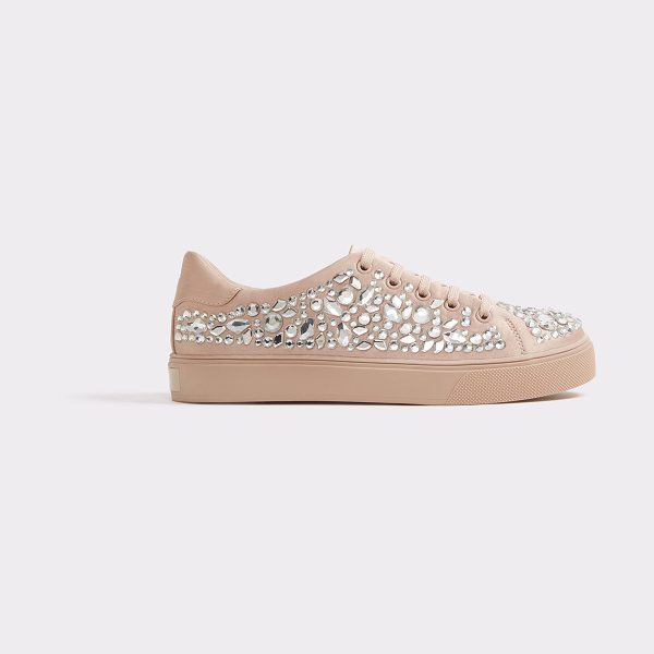 ALDO Zellina in light pink - Sport luxe goes glam with this opulent pearl and...