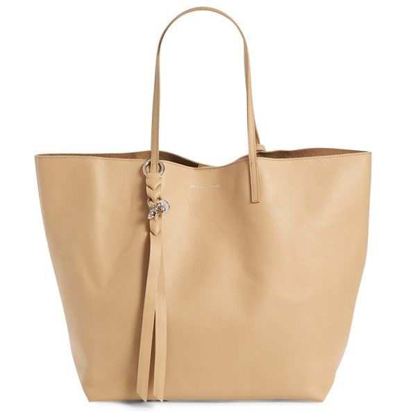 ALEXANDER MCQUEEN calfskin leather tote in blonde - A signature skull charm perfectly underscores the...