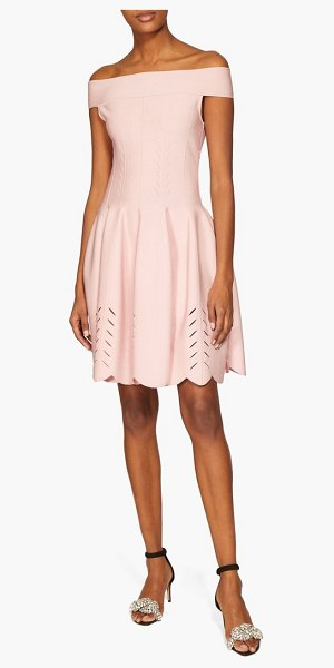 Alexander McQueen off-the-shoulder knitted dress in light pink