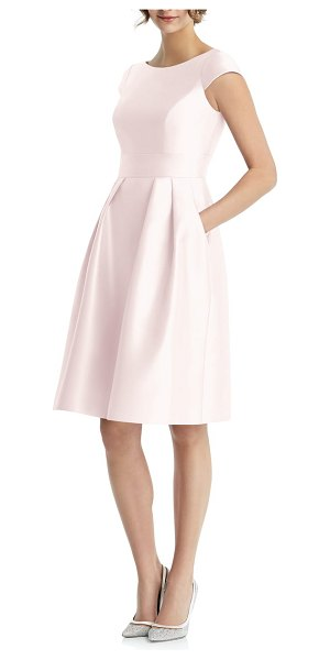 Alfred Sung cap sleeve cocktail dress in pink