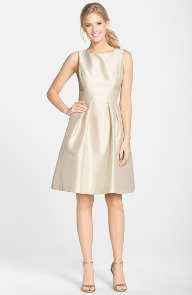 ALFRED SUNG dupioni fit & flare dress - Creating a timeless and universally flattering...