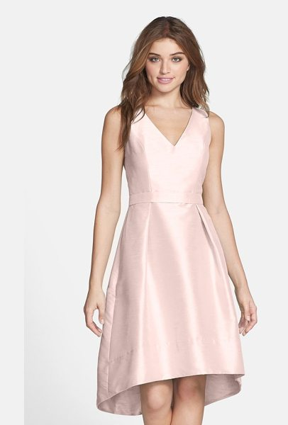 Alfred Sung satin high/low fit & flare dress in pearl pink - A perfectly belled skirt with a graceful high/low...