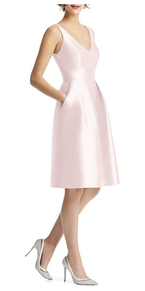 Alfred Sung v-neck satin cocktail dress in pink