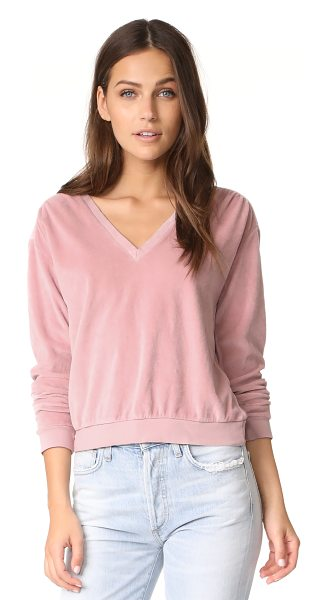 AMO deep sweatshirt in vintage rose - A plush AMO sweatshirt with a deep V neckline. Ribbed...