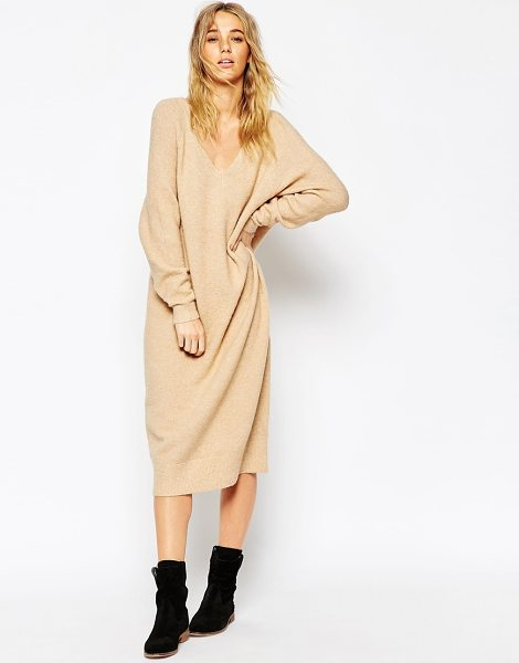 Asos Midi dress in mohair with v-neck in camel - Knit dress by ASOS Collection Heavyweight chunky knit...