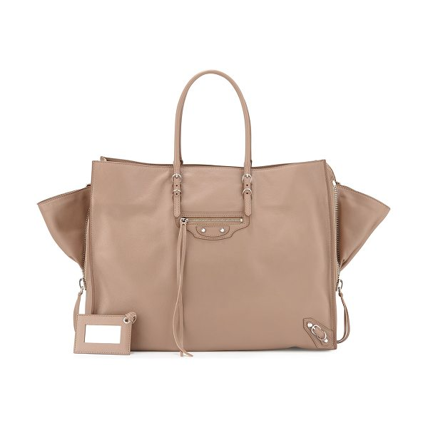 Balenciaga Papier a4 zip-around tote bag in beige - Balenciaga tote bag in soft grained calfskin. Contrast...