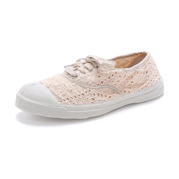 Bensimon Tennis broderie anglaise sneakers in powder - Embroidered Bensimon sneakers offer a feminine update to...