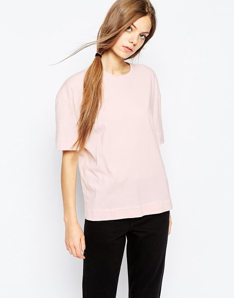 BETHNALS Box t-shirt with deep turn hem in pink - T-shirt by Bethnals Soft-touch jersey Round neckline...