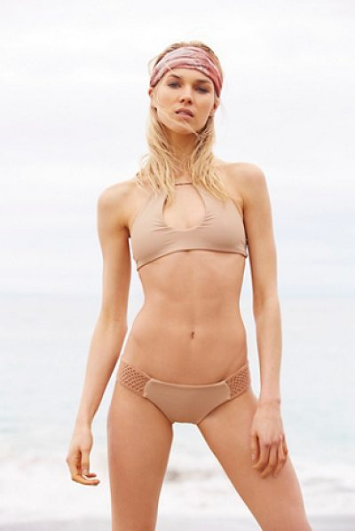 Bettinis Stretch side bottom in sand - In a cheeky fit these low-rise bikini bottoms feature...