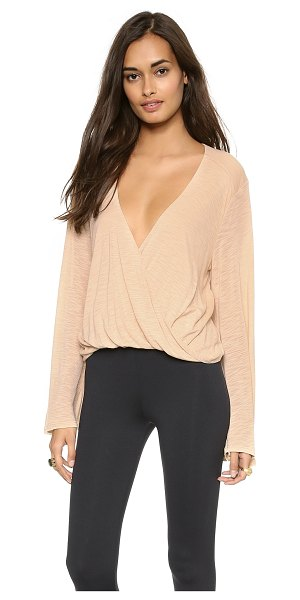 Blue Life Hayley'S Top in nude - A jersey top plays with proportion in a cropped...