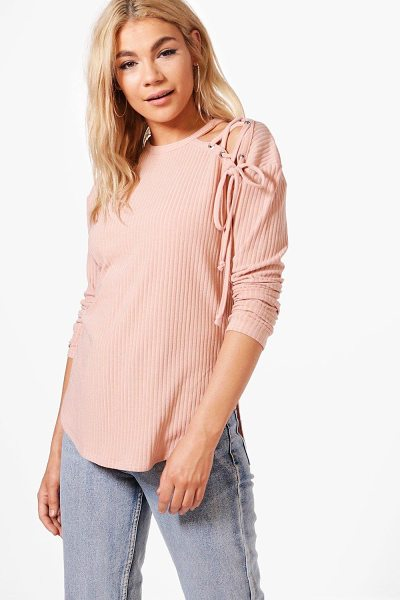 Boohoo Abigail Lace Up Shoulder Rib Knit Jumper in pink - Nail new season knitwear in the jumpers and cardigans...