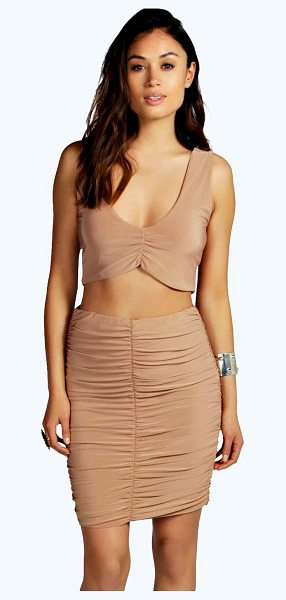 Boohoo Abrielle Plunge Crop Midi Skirt Co Ord in camel - Call on co-ordinates to make you a top to toe...