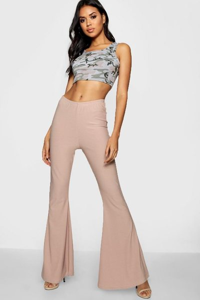 BOOHOO Alana Crepe Skinny Flare - Trousers are a more sophisticated alternative to...