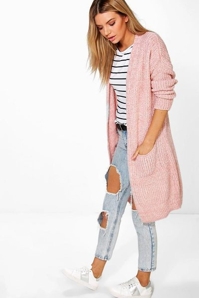 Boohoo Oversized Boyfriend Cardigan in blush - Nail new season knitwear in the jumpers and cardigans...