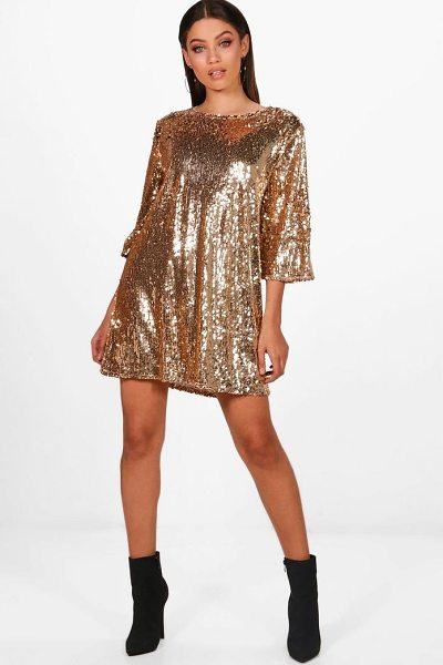 Boohoo Boutique Emma Sequin Wide Pleat Shift Dress in gold - A failsafe favourite, shift dresses are effortlessly...