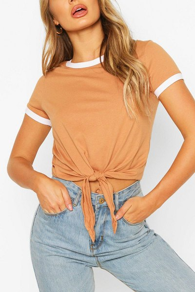 Boohoo Contrast Colour T-Shirt in camel
