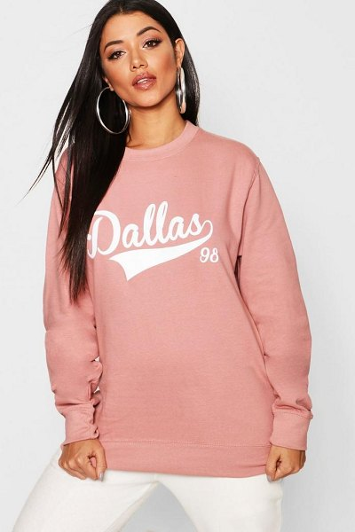 Boohoo Dallas Slogan Sweat in rose - Steal the style top spot in a statement separate from...