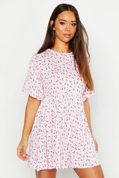 Boohoo Ditsy Floral Smock Dress in pink