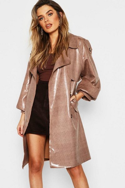 Boohoo Dog Tooth Belted High Shine Bonded Mac in brown - Wrap up in the latest coats and jackets and get...