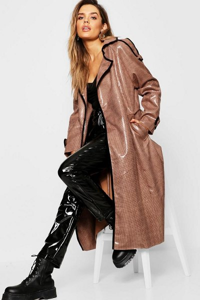 Boohoo Dog Tooth Midaxi High Shine Mac in brown - Wrap up in the latest coats and jackets and get...