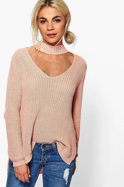 Boohoo Ella Choker Strap V Neck Jumper in blush - Nail new season knitwear in the jumpers and cardigans...
