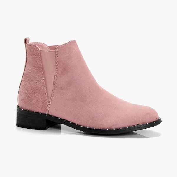 Boohoo Ellie Stud Mixed Panel Chelsea Boots in blush