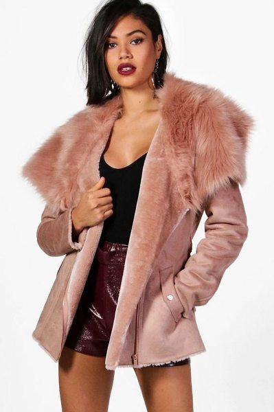 Boohoo Faye Boutique Faux Fur Collar Belted Jacket in rose