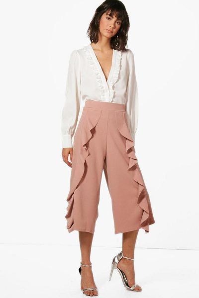 Boohoo Ferne Frill Trouser in rose - Trousers are a more sophisticated alternative to...