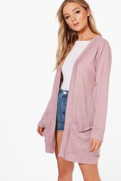Boohoo Freya Fine Knit Cardigan in blush - Nail new season knitwear in the jumpers and cardigans...