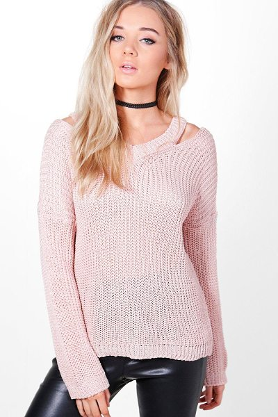 Boohoo Grace Slit Shoulder Slouchy Jumper in blush - Nail new season knitwear in the jumpers and cardigans...