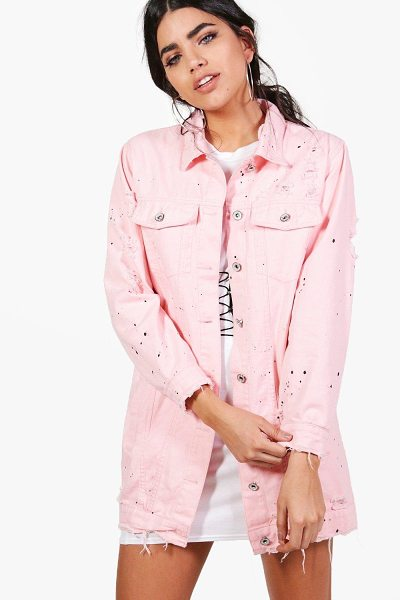 Boohoo Jilly Longline Paint Splatter Denim Jacket in pink - Wrap up in the latest coats and jackets and get...