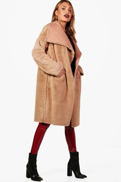 BOOHOO Boutique Reversible Faux Fur Bonded Jacket in camel - Warm up in style and instantly elevate your look with a...