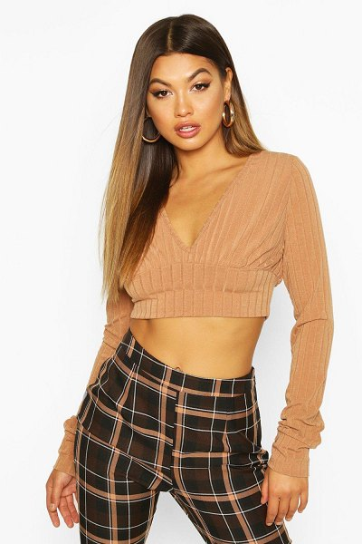 Boohoo Jumbo Ribbed Extreme Sleeve V Neck Crop in mocha