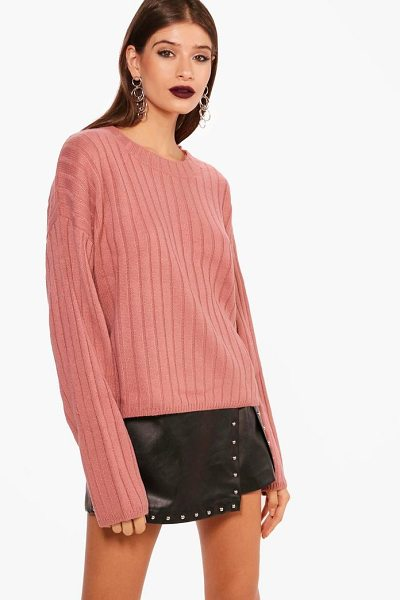 Boohoo Wide Rib Stem Hem Jumper in rose - Nail new season knitwear in the jumpers and cardigans...