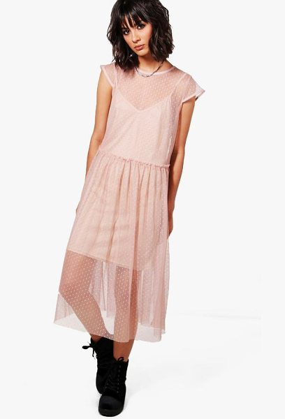 BOOHOO Lucy Dobby Mesh Dress - Take your style to the max with the always gorgeous maxi...